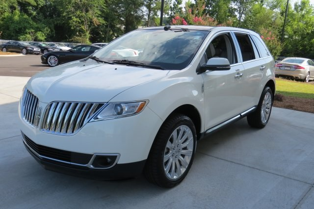 Pre-Owned 2013 Lincoln MKX  FWD 4D Sport Utility